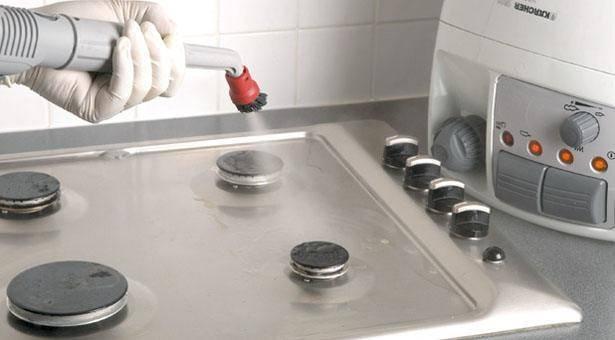 طريقة تنظيف المطبخ من الدهون بالبخار