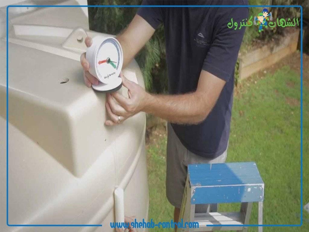 عمل صيانة شاملة لاحد خزانات المياه